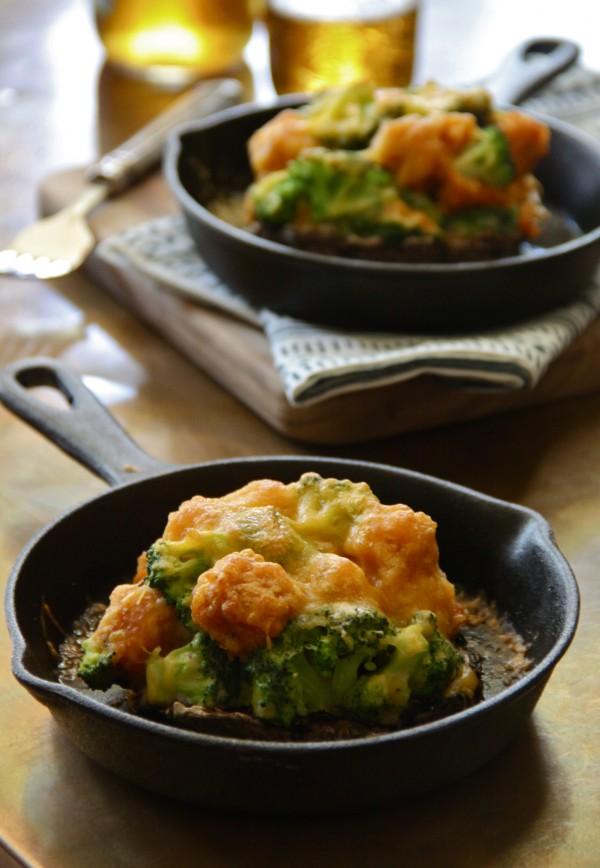 broccoli and cheese tater tot stuffed portobello mushrooms www.climbinggriermountain.com