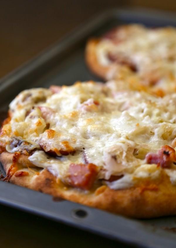 cheesy naan reuben pizzas with thousand island drizzle www.climbinggriermountain.com
