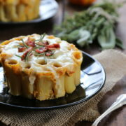mini pumpkin pasta bake with crispy bacon and fresh herbs www.climbinggriermountain.com