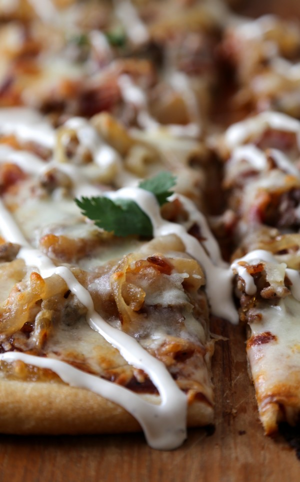 caramelized onion, sausage, and barbecue pizza with ranch dressing www.climbinggriermountain.com
