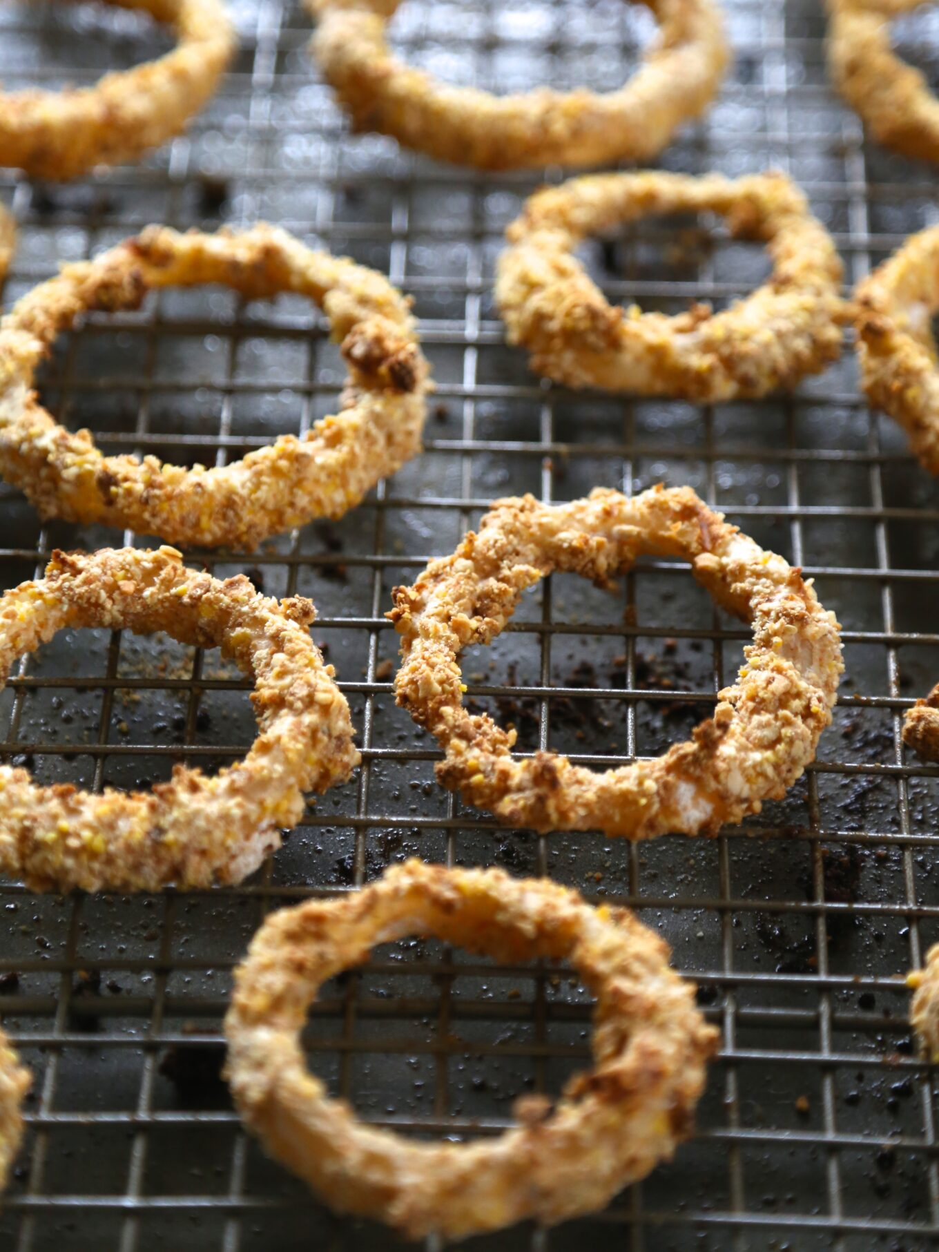 oven fried guinness onion rings with stout gravy - Climbing Grier ...