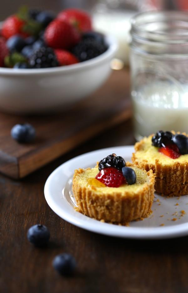 breakfast cheesecakes with lemon greek yogurt & fresh berries www.climbinggriermountain.com