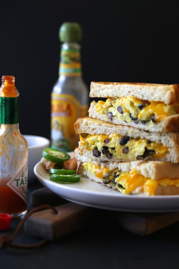huevos rancheros grilled cheese www.climbinggriermountain.com