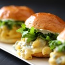 butternut squash mac & cheese sliders with gorgonzola & arugula