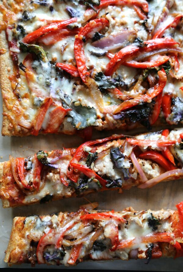 whole grain roasted kalette pizza with grilled chicken www.climbinggriermountain.com