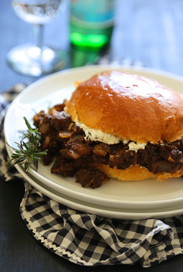 sloppy mushroom joes with rosemary honey goat cheese www.climbinggriermountain.com