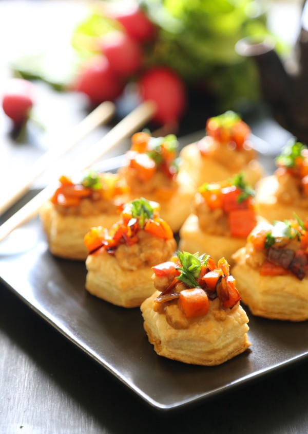 spicy asian chicken puff pastry bites with hoisin peanut sauce www.climbinggriermountain.com