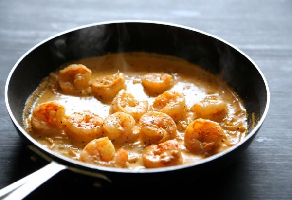 thai shrimp scampi quinoa bowls