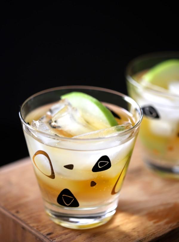 Apple Ginger Rum Shandy www.climbinggriermountain.com I