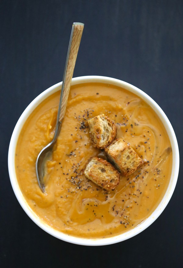 ginger sweet potato soup with toasted curry croutons www.climbinggriermountain.com