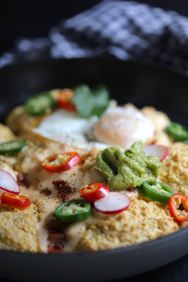 Loaded Skillet Biscuits with Bacon & Pimento Cheese Gravy www.climbinggriermountain.com II