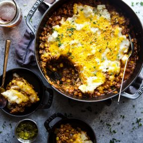 cheeseburger shepherd's pie in a skillet