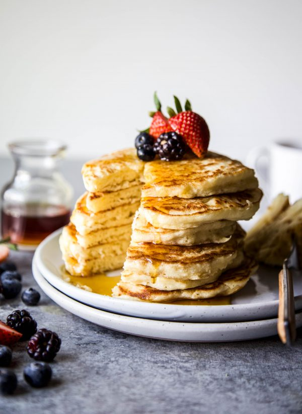 Easy Souffle Pancakes with Mixed Berries