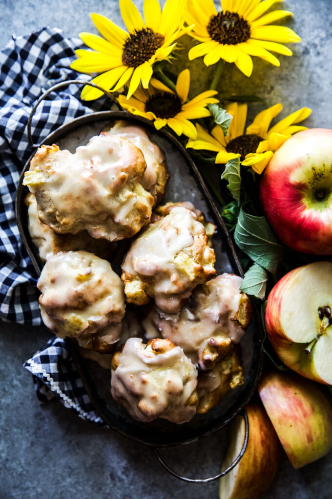 air fryer apple fritters with vanilla glaze thecuriousplate.com.